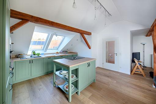 mehr raum durch einen dachausbau referenz detail einer alles sauber wohntr ume in besten. Black Bedroom Furniture Sets. Home Design Ideas