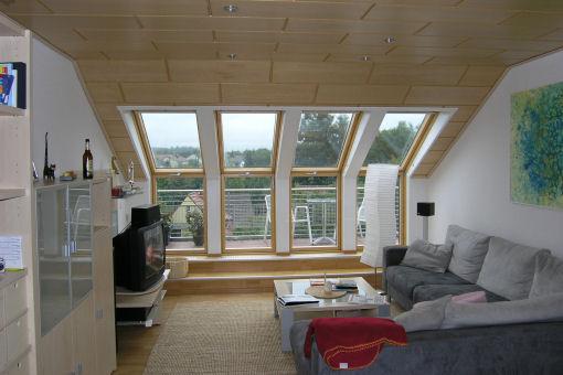 heller dachraum mit dachterrasse referenz detail einer alles sauber wohntr ume in besten. Black Bedroom Furniture Sets. Home Design Ideas