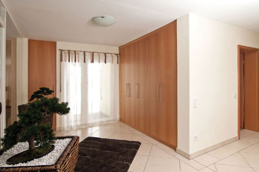 modernisierung eines wohnhaus mit einliegerwohnung referenz detail einer alles sauber. Black Bedroom Furniture Sets. Home Design Ideas